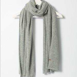 Dinadi Nepal grey merino scarf